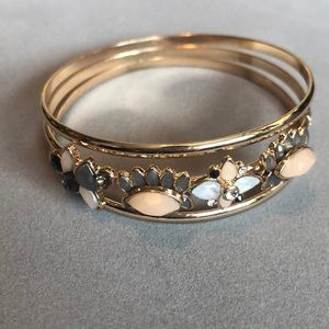 Gold coloured bracelet with crystals